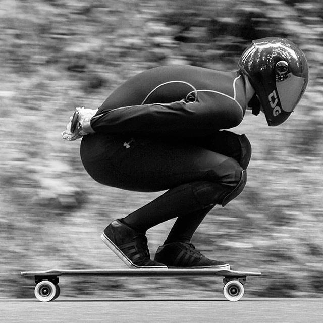 Badass tuck from his win at the Mt Tabor downhill challenge for @imchipwood @nathan503 #downhilllongboarding #downhill #bombhills #bombhillsnotcountries #skateboard #skateboarding #mttabor #portland #oregon #tuck #speed #badass #winning #bombing #longboard #longboarding #skater #longboarder #nofear #whatever #whateverskateboards