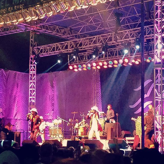 Anyone else see Thievery Corporation at Del Mar racetrack last night? Good show, especially for 6 bucks!  #thatswhatimtalkingabout #thieverycorporation #delmar #delmarraces #delmarracetrack #sandiego #socal #talkingheads #music #shows #deals #6bucks #6buckswellspent #fun #fridaynight #concert #delmarconcertseries @thieverycorporation