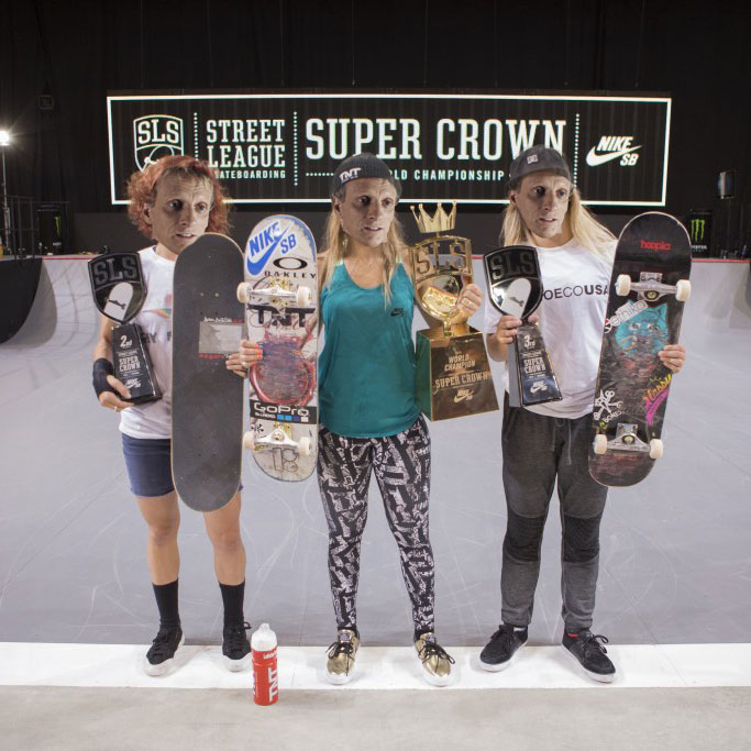 Tony Hawk Wins Womens SLS Championships